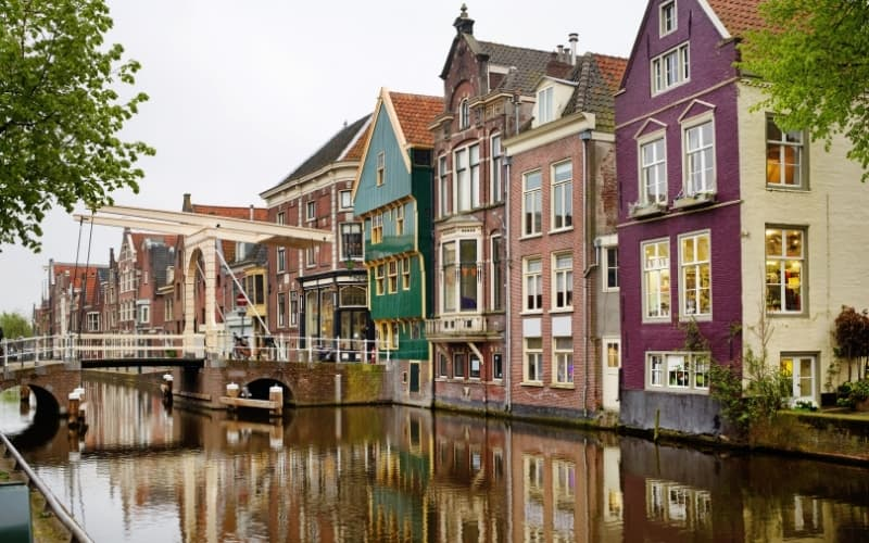 Is Alkmaar Worth Visiting - Old houses in Alkmaar