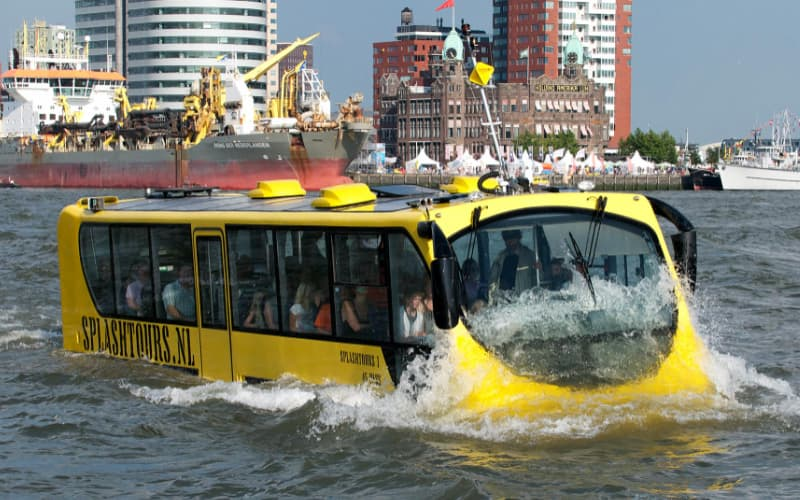 What to do in Rotterdam on a rainy day - The Splash tour bus