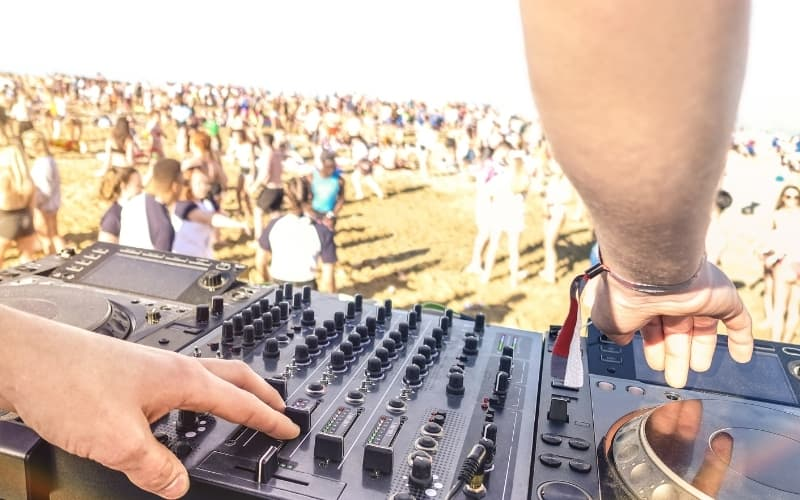 Why Are So Many DJs From The Netherlands - DJ playing at Festivals