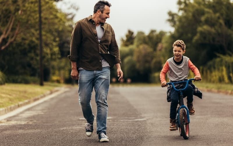 Why is cycling so popular in the netherlands - cycling child